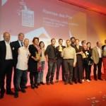 L'équipe AHF sur scène pour le prix C dans la boite